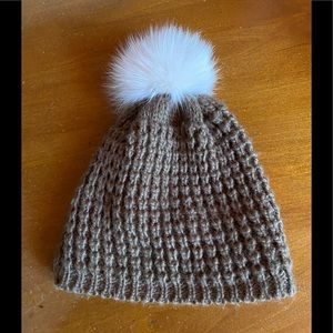 KYIKYI Knit Hat with Real Fur PomPom